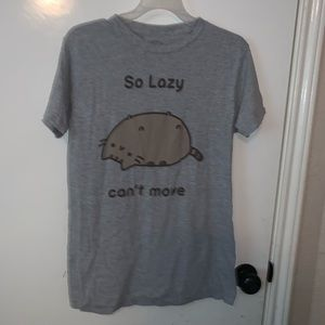 Pusheen t shirt